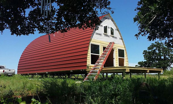 Prefabricated-Arched-Cabins-8-889x500